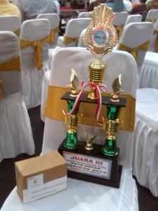 """Piala Juara 3 Lomba Blog Guru Depicta 2014"""